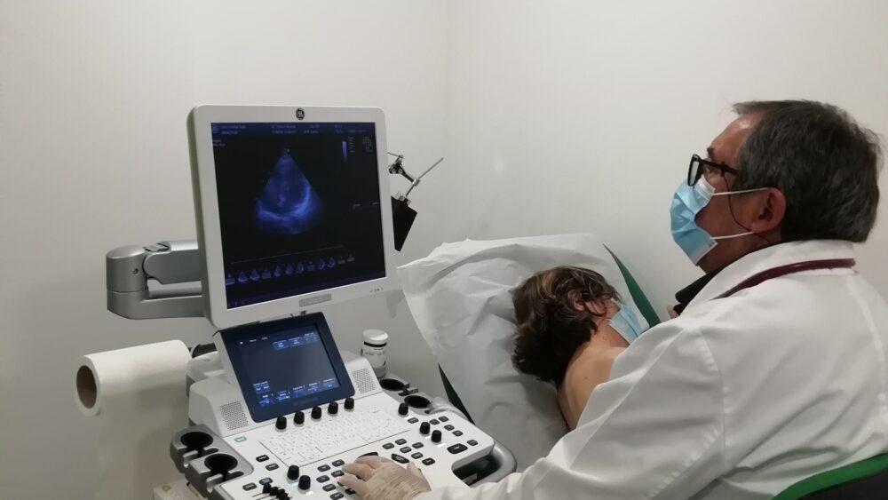 Dr Veloso Gomes , licenciado em 1975, na Universidade do Porto, médico cardiologista e especialista em medicina desportiva.