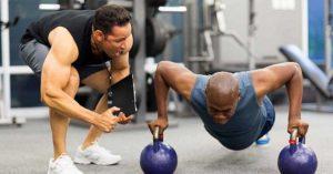 Treinar alguém através de um método/protocolo com vista à performance, como se fosse um atleta, é um aspeto que temos de melhorar rapidamente.